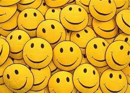 Imagem da notícia: Adultos sorriem sete vezes por dia, um deles é falso!