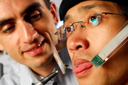 Imagem da notícia: Cadeira de rodas controlada pela língua