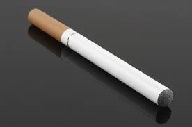 Imagem da notícia: Cigarros eletrónicos podem não ajudar a deixar de fumar