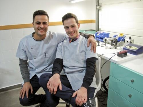 Imagem da notícia: União dignifica prótese e medicina dentária