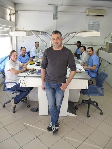Imagem da notícia: Dentalcastro promove qualidade
