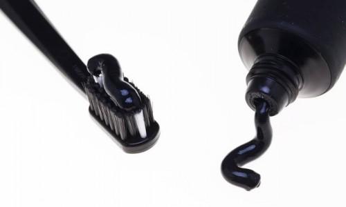 Imagem da notícia: Pasta de dentes preta ganha popularidade