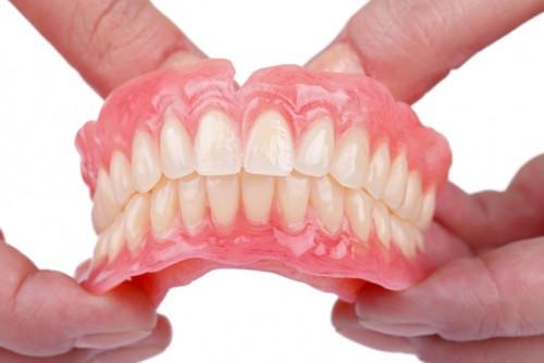 Imagem da notícia: Próteses e implantes dentários sujeitos à taxa reduzida de IVA