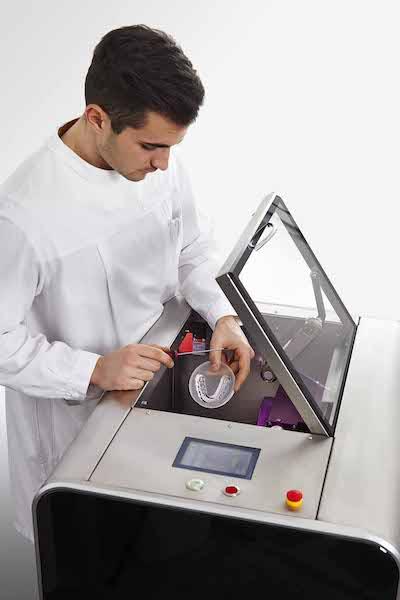 Imagem da notícia: Sistema ORGANICAL® na criação de próteses