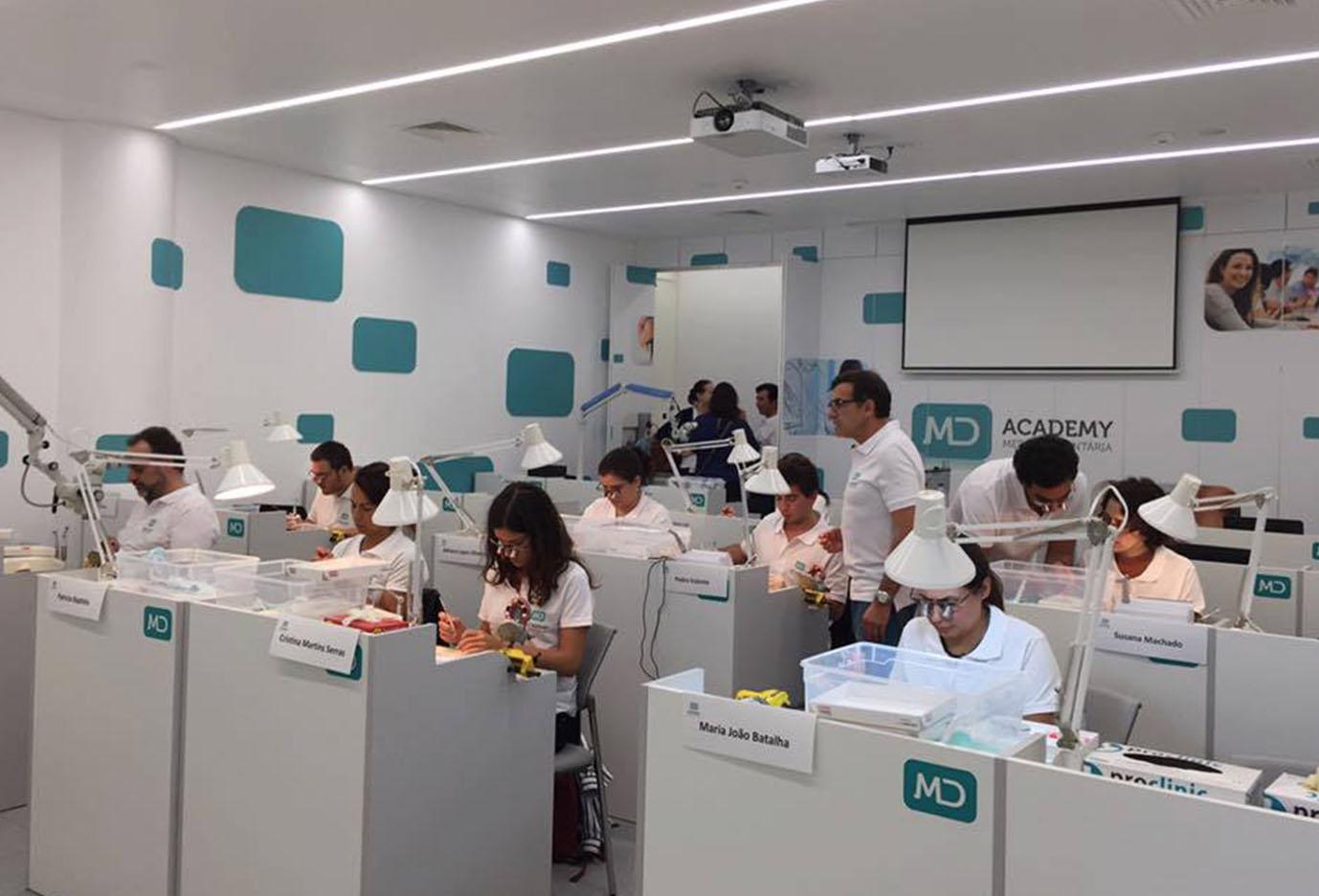 Imagem da notícia: MD Academy com curso para técnicos de prótese dentária